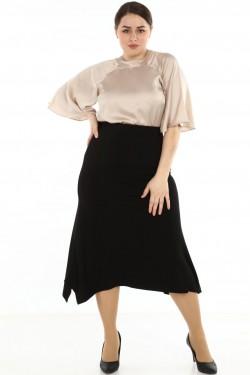 Juodas platėjantis sijonas